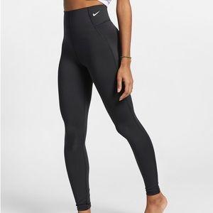 NWT Nike Sculpt Victory Yoga Training Leggings M